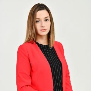 Биляна Апостолова